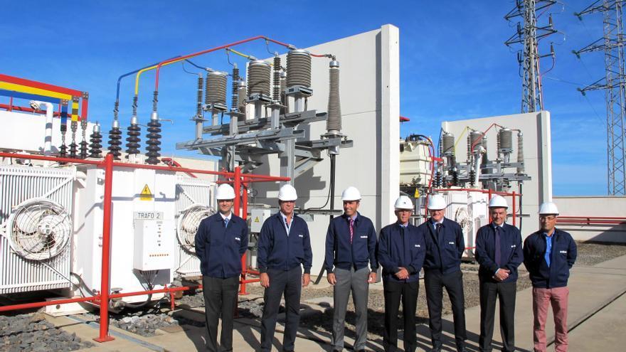 Representantes del Ayutamiento y Endesa en su visita a la nueva subestación eléctrica