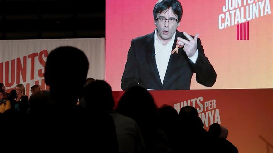 """Puigdemont pide """"ganar"""" para hacer """"temblar"""" a Rajoy y a sus """"cómplices"""""""