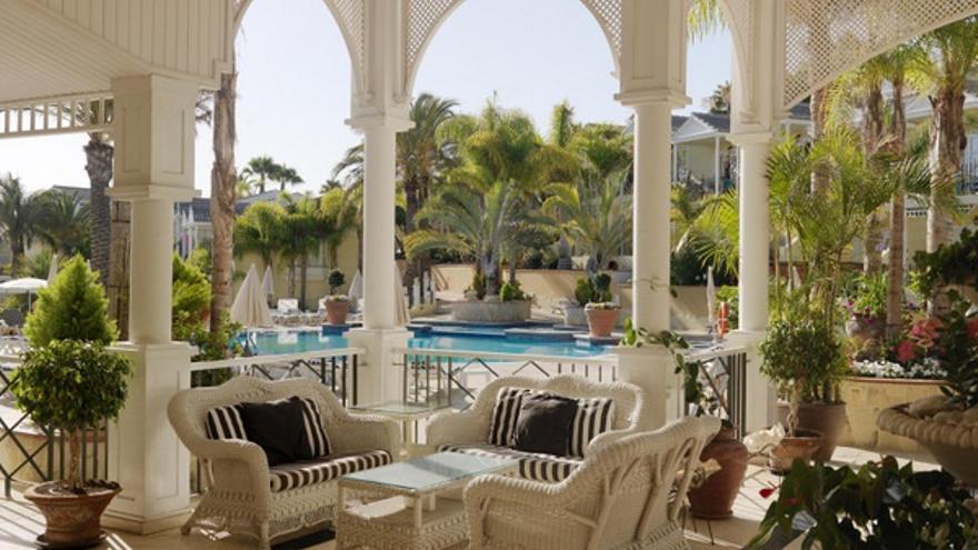 Restaurante terraza del Gran Oasis Resort, distinguido con el galardón del turoperador escandinavo