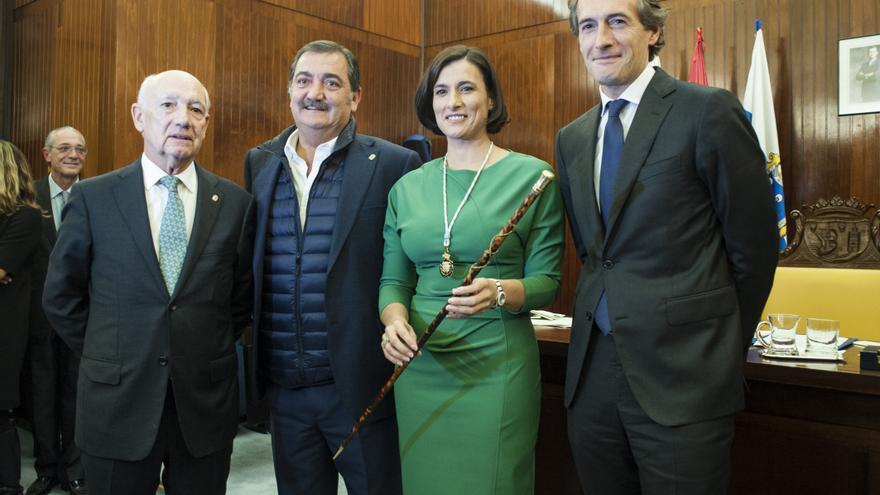 Gema Igual junto a los exalcaldes de Santander Manuel Huerta, Gonzalo Piñeiro e Íñigo de la Serna. | JOAQUÍN GÓMEZ SASTRE