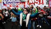 Centenares de personas a favor de la ley del aborto se manifiestan el pasado 8 de agosto de 2018 en el exterior del Senado en Buenos Aires (Argentina).