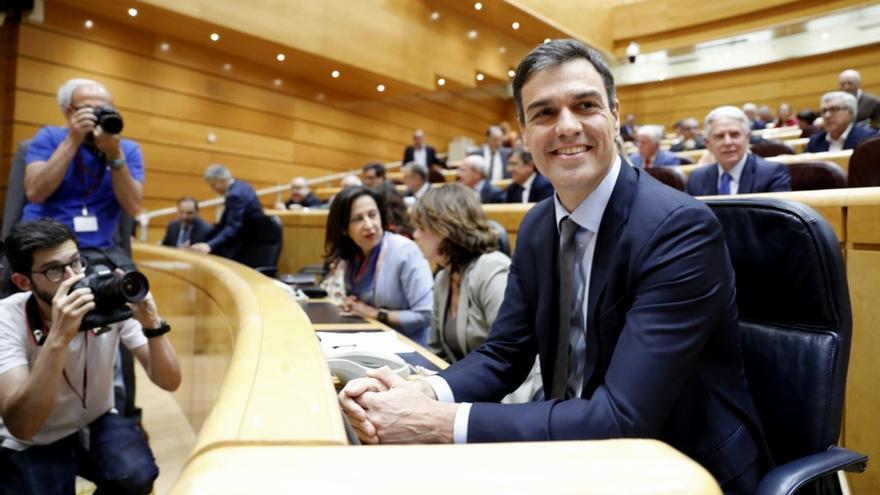 El PP fuerza una Diputación Permanente en el Senado para poner fecha a un Pleno sobre inmigración con Pedro Sánchez