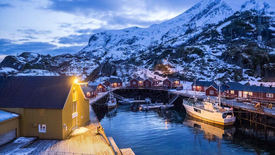 Paisaje invernal en Nusfjord, uno de los pueblos más bonitos de las Lofoten. Simen G. Fangel