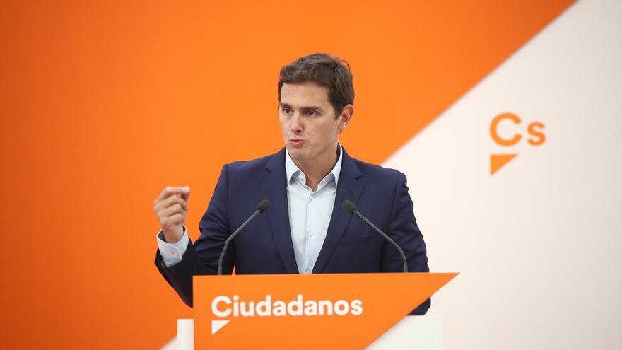 """Rivera pide a Pablo Iglesias que """"rectifique"""" y se sitúe del lado de la oposición en Cataluña y no de los """"golpistas"""""""