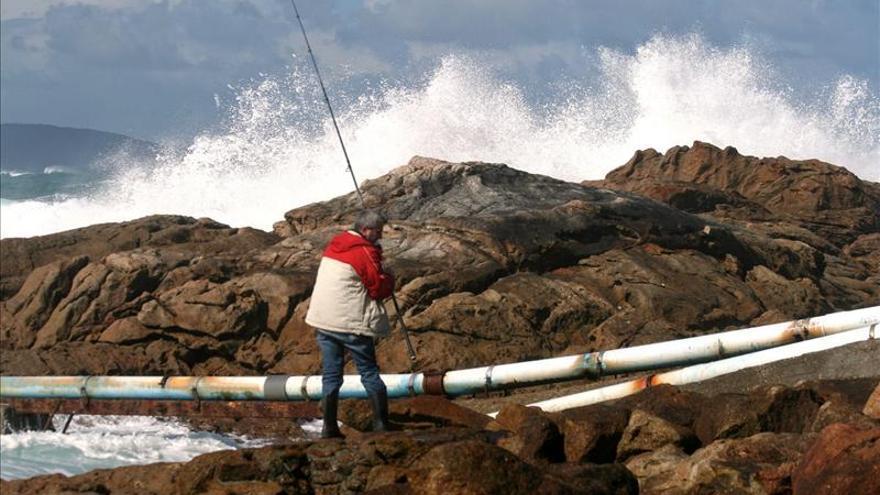 Pescadores por un día: El turismo marinero se abre camino en la costa