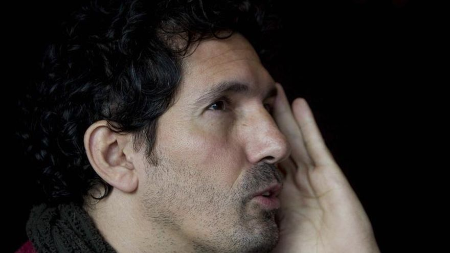 El profesor César Bona propone erradicar asignaturas e intercambiar docentes