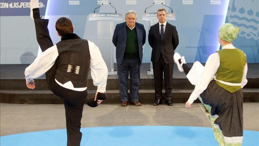 """Urkullu invita a Uruguay a """"crecer juntos"""" en infraestructuras y energía"""
