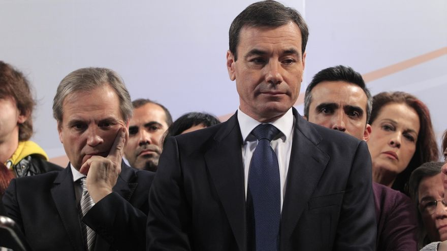 Tomás Gómez, entre aplausos y al grito de presidente, planta cara a Pedro Sánchez