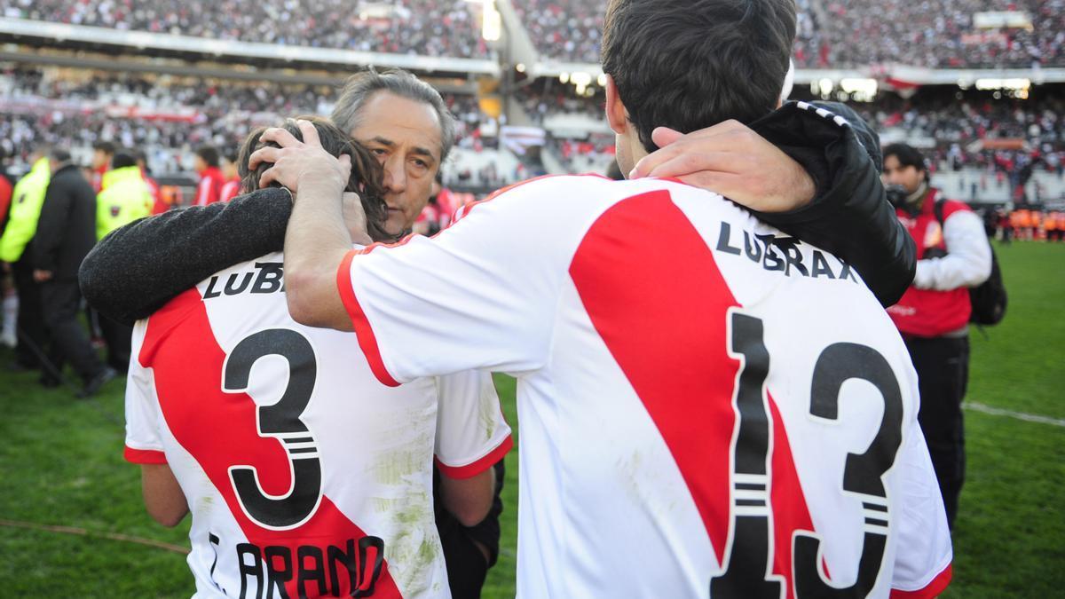 Arano (3), Juan Manuel Díaz (13) y Jota Jota López, el 26 de junio de 2011