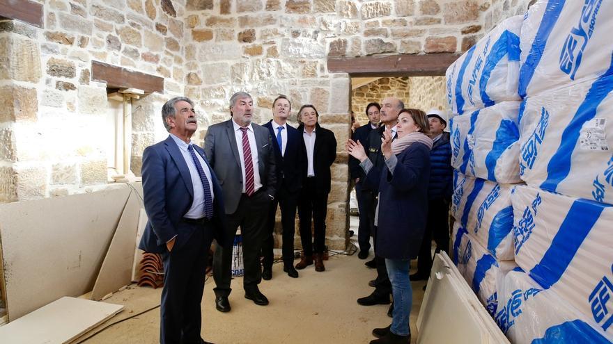 El Gobierno invierte 3 millones en carreteras y en la rehabilitación de dos edificios municipales