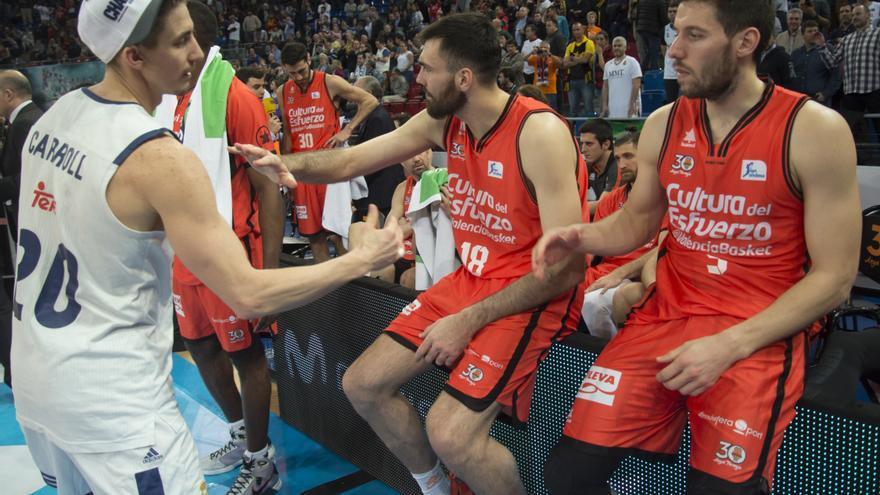 Valencia Basket y Real Madrid protagonizaron la final de una Copa huérfana de españoles.
