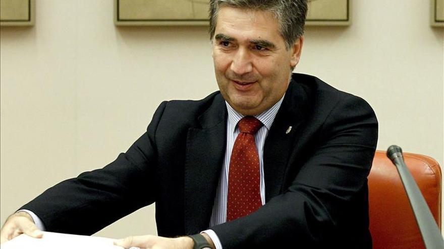 """Cosidó afirma que el Estado actuará con la ley contra los homenajes """"delictivos"""" a etarras"""
