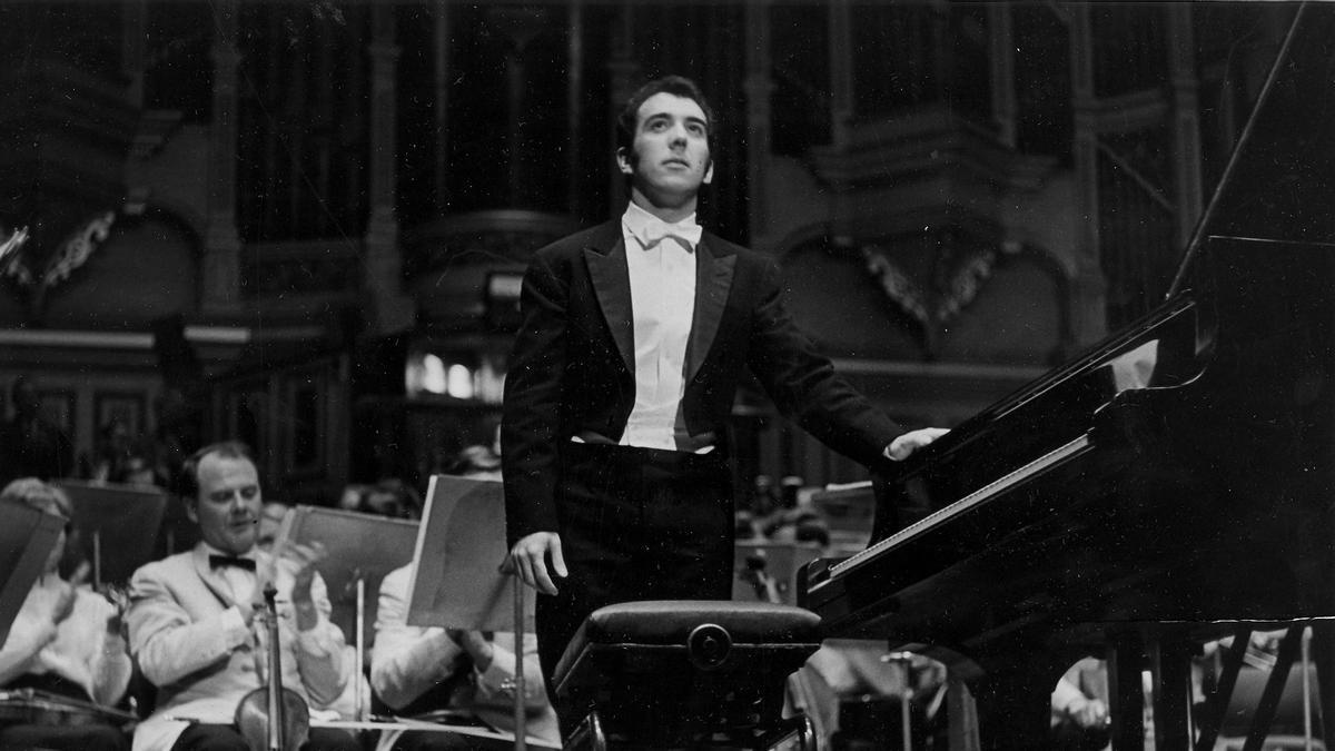 Rafael Orozco con la Sydney Symphony Orchestra, en 1971.