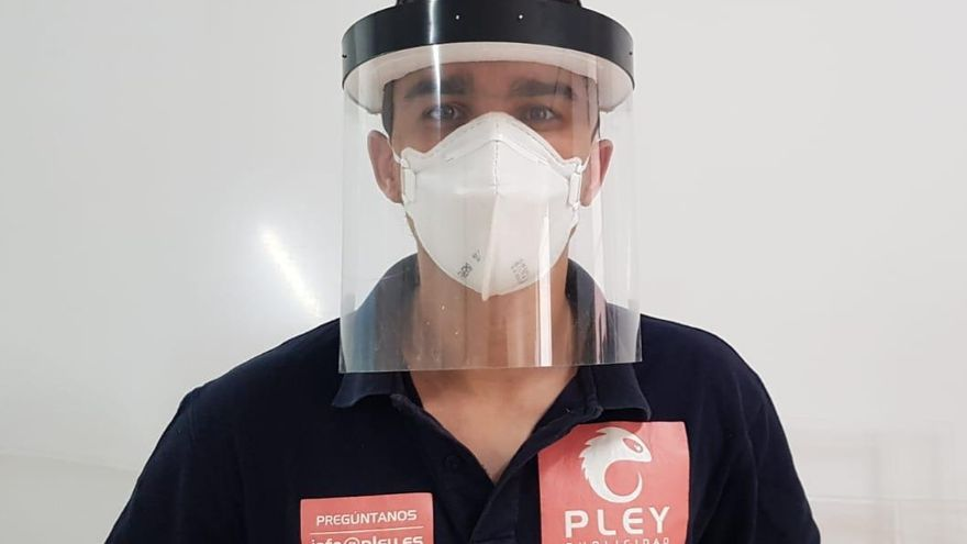 The screens of the masks are made of methacrylate.