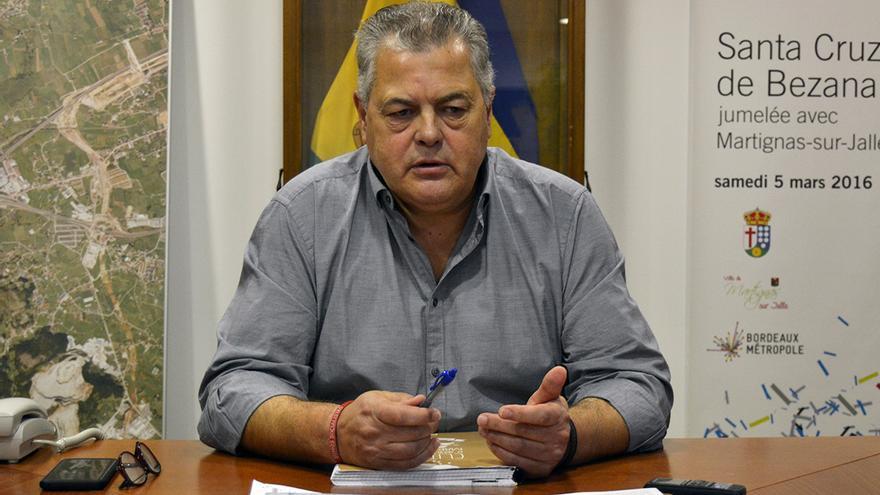 Joaquín Gómez, alcalde de Santa Cruz de Bezana, durante la entrevista concedida a eldiario.es.