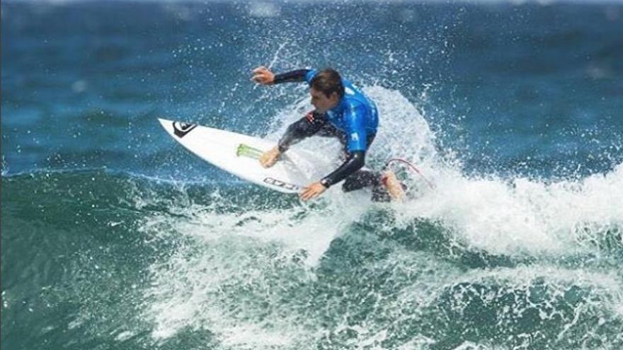El grancanario Luis Díaz gana el Open Surfing de California.