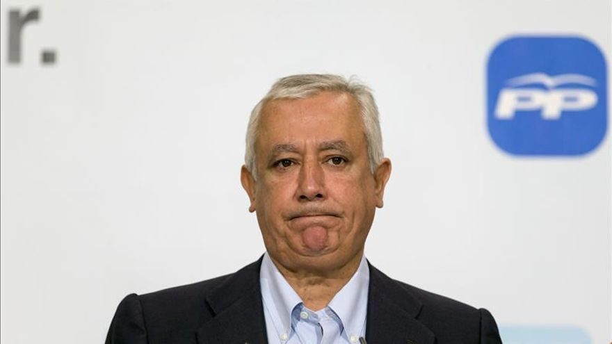"""Arenas acusa a Sánchez llevar al PSOE a la """"pérdida de identidad"""" con los pactos"""