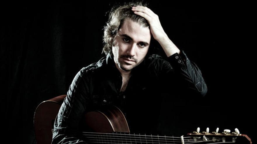 El guitarrista dominicano Anthony Ocaña