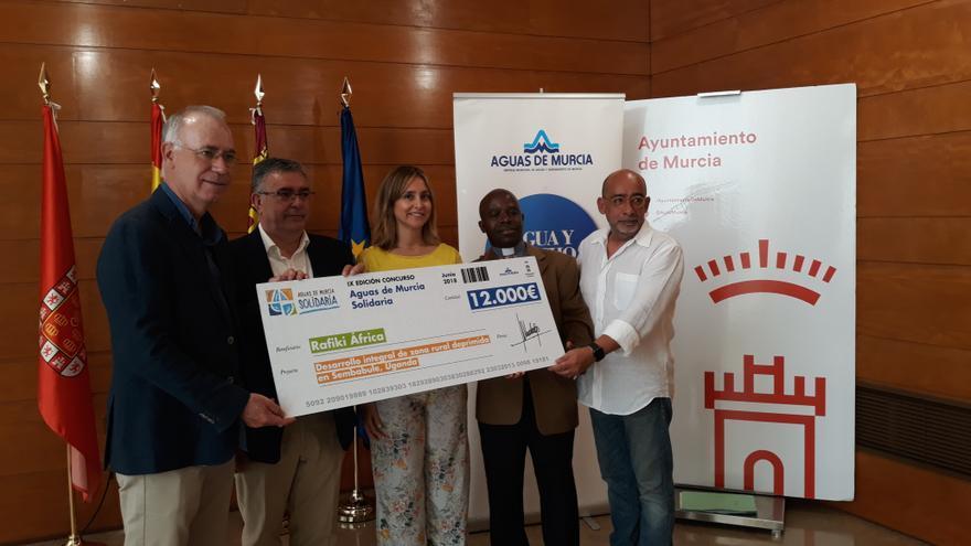 La IX edición del concurso 'Aguas de Murcia solidaria' permitirá construir un colegio con sistema de recolección de agua en Uganda
