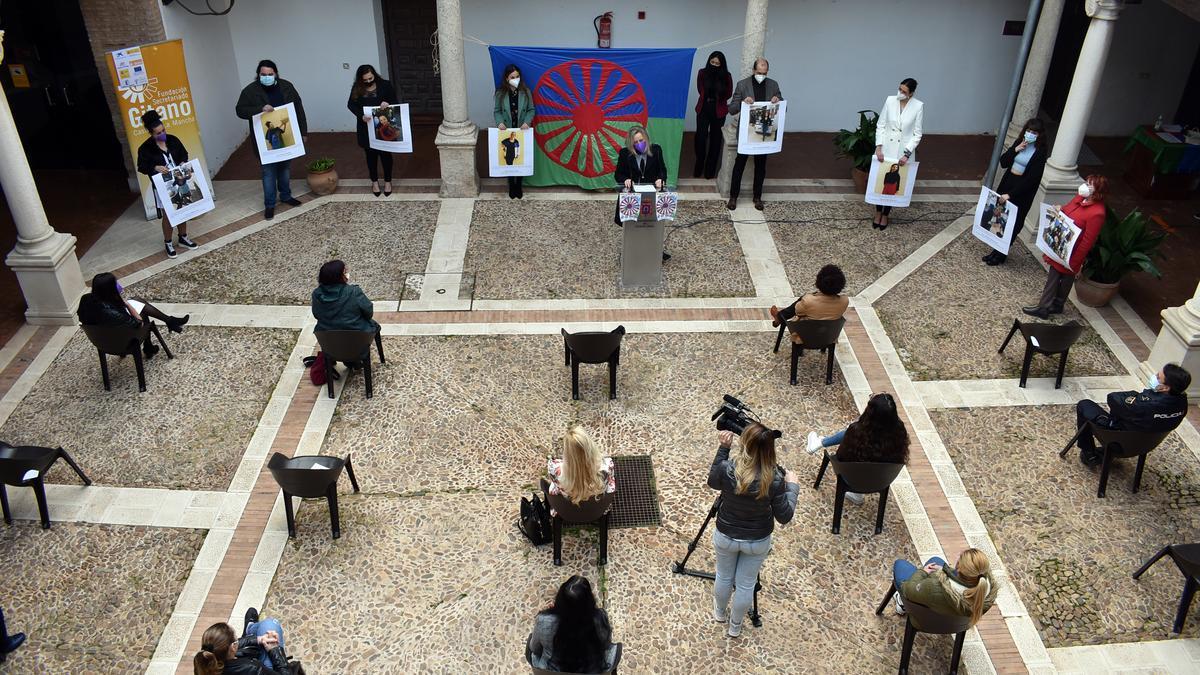 Inauguración exposición secretariado gitano