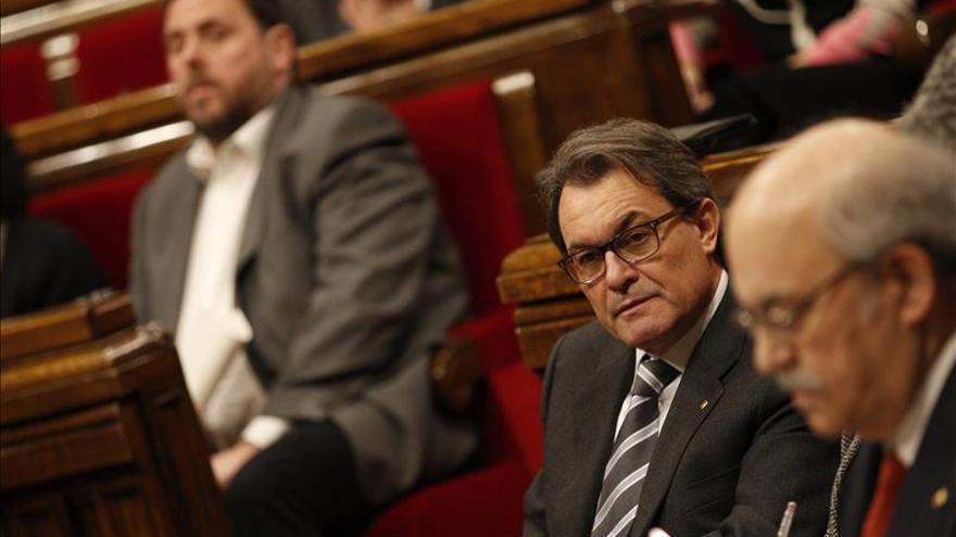 El Parlament apoya la causa contra los crímenes del franquismo instruida en Argentina
