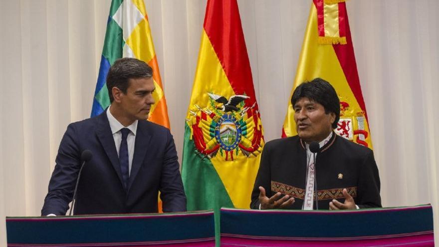 Evo Morales elogia a las empresas españolas y firma un acuerdo que facilitará su entrada en el tren bioceánico