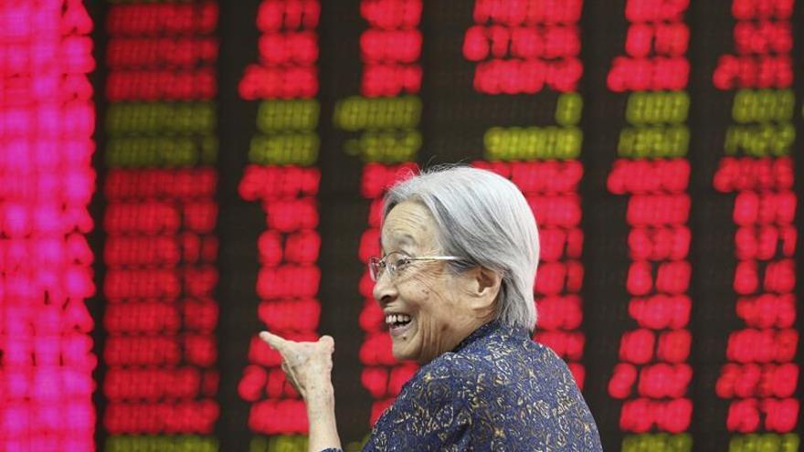 La Bolsa de Shanghái abre con pérdidas del 0,24 %