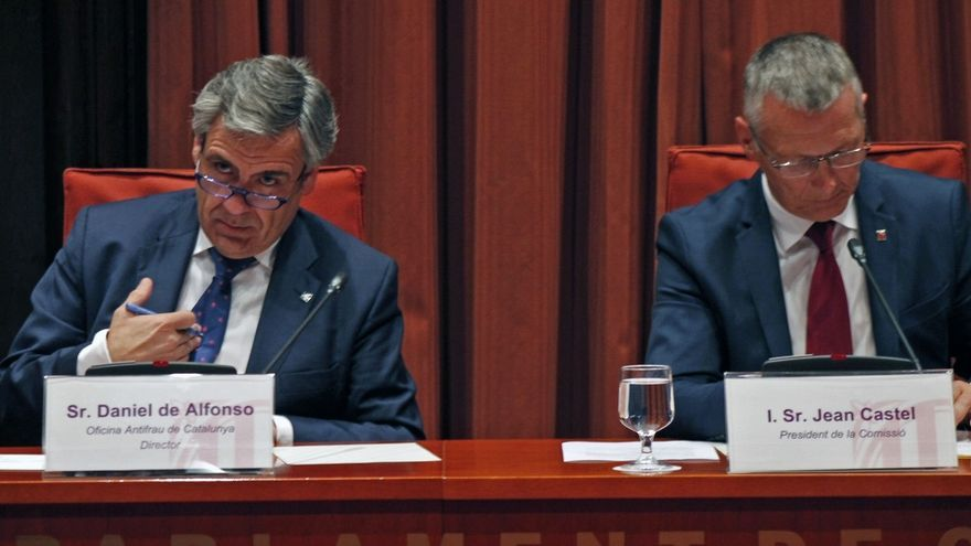 El Parlament reprocha a De Alfonso no dimitir tras publicarse las grabaciones