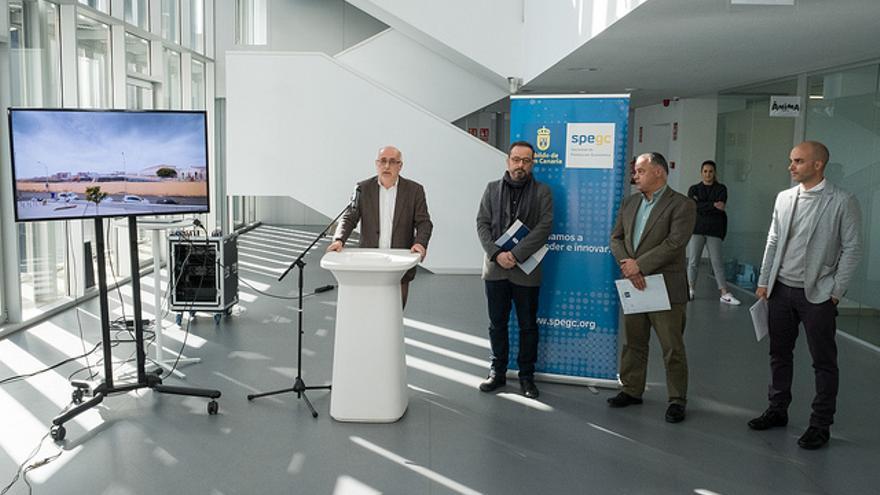 El presidente del Cabildo de Gran Canaria presenta el proyecto para la construcción de dos platós cinematográficos en Las Palmas de Gran Canaria.
