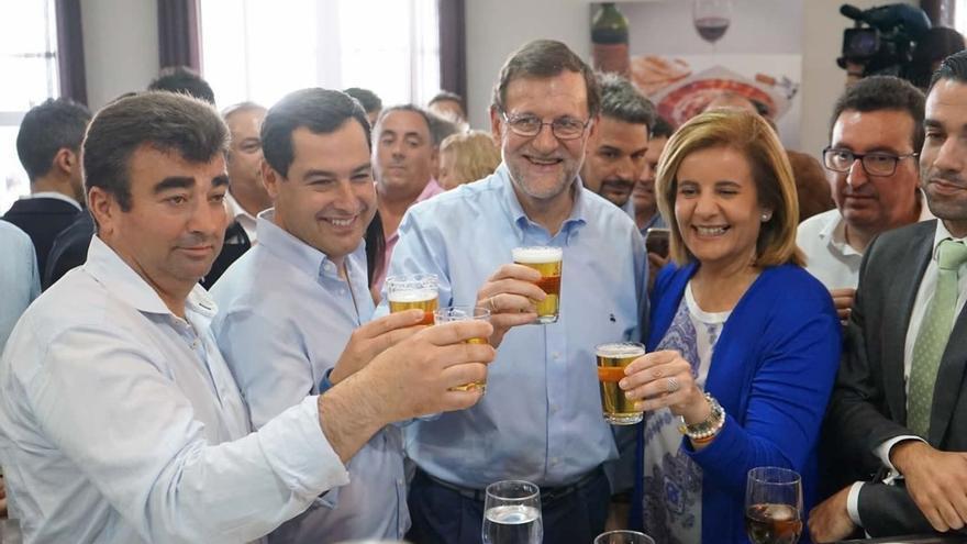 """Rajoy pide que """"a nadie se le ocurra tocar las diputaciones"""" y se queja de que solo se hable de pactos electorales"""