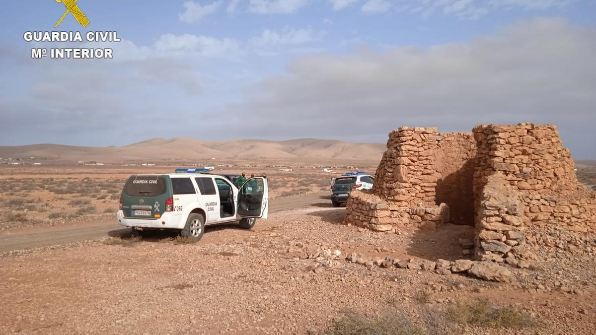 Agentes de la Guardia Civil haciendo trabajos para prevenir la caza furtiva en Fuerteventura