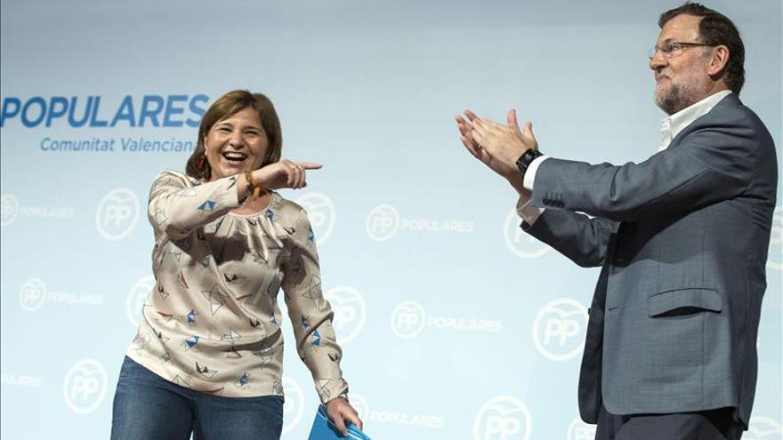 Isabel Bonig en un acto con Rajoy.
