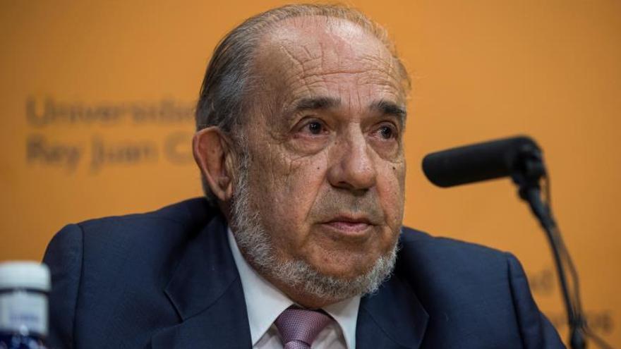 El catedrático Pablo Acosta Gallo sustituirá temporalmente a Álvarez Conde