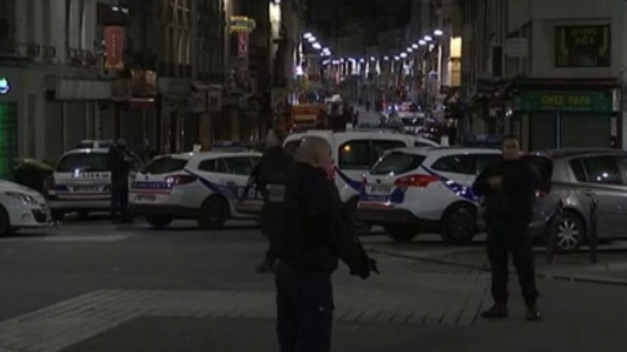 Imagen del operativo policial en Saint-Denis / itele