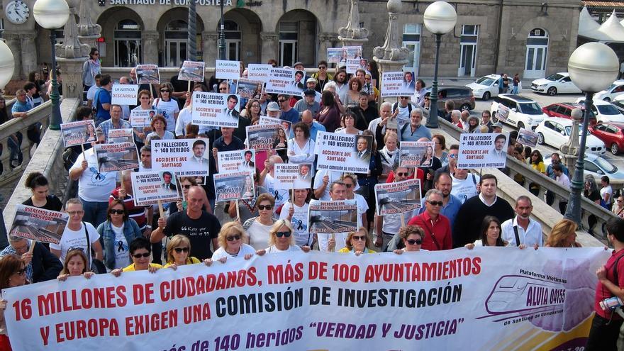 La oposición quiere ver a Ana Pastor y Rafael Catalá en la comisión del Congreso que investigará el accidente de Angrois