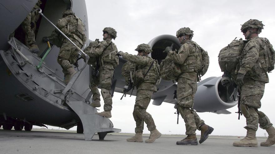 Una corte marcial juzgará a soldados que orinaron sobre cadáveres en Afganistán