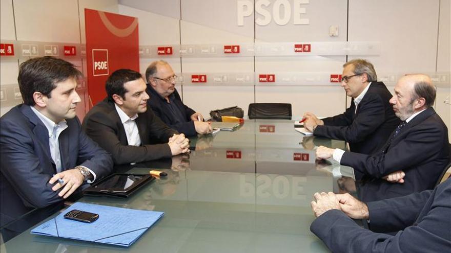 Rubalcaba se reúne con el líder del partido griego Syriza