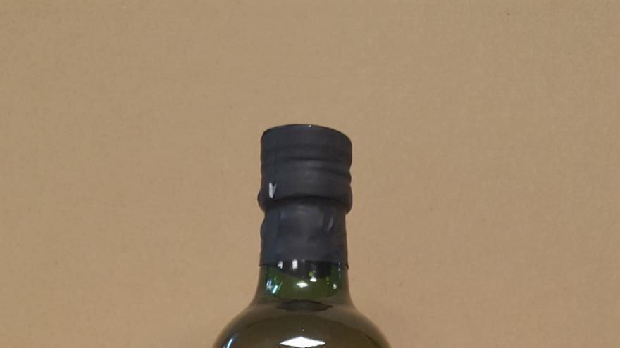 Botella con logotipo de Dieta Mediterránea