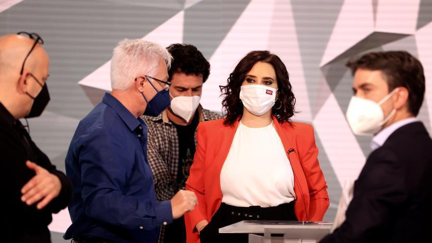 La candidata a la presidencia de la Comunidad de Madrid por el PP, Isabel Díaz Ayuso, antes del inicio del debate
