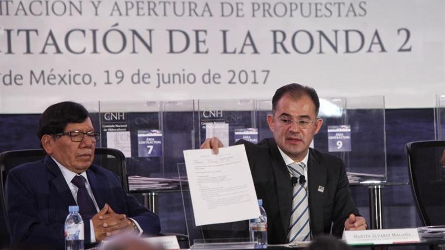 """México celebra una """"satisfactoria"""" licitación que encara los precios bajos del crudo"""