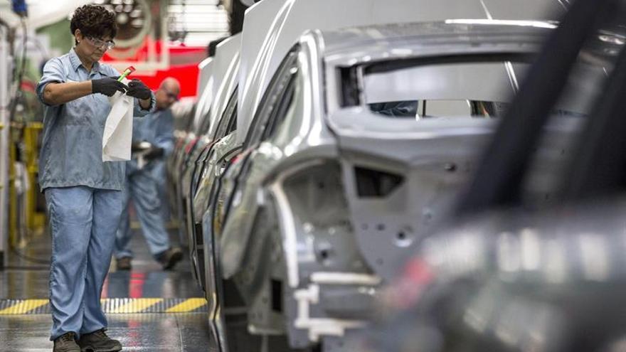 La subida anual de los precios industriales repunta al 3,2 por ciento en agosto