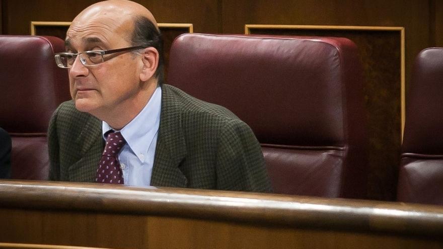 El presidente de la comisión sobre Fernández Díaz pidió a los grupos que obviaran un documento aportado por Podemos
