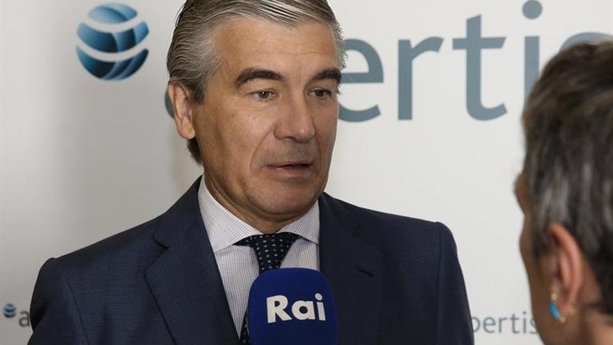 Abertis espera poder seguir creciendo en 2017 pese a algunas incertidumbres
