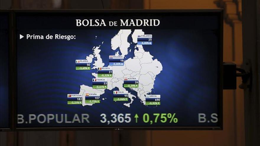 La prima de riesgo española abre estable, en 106 puntos