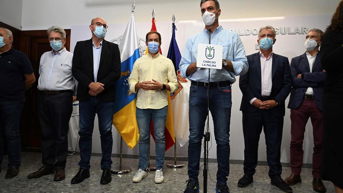 El presidente Pedro Sánchez comparece tras la reunión del PEVOLCA para valorar el estado del volcán de La Palma.