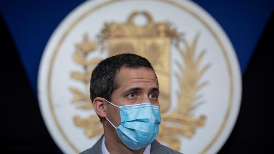 Guaidó pide a los venezolanos que no participen en mercado negro de vacunas