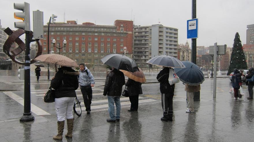 Ampliado hasta el domingo el aviso amarillo por precipitaciones intensas en Euskadi