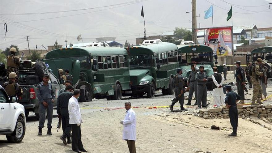 Al menos cinco muertos en ataque suicida en primer día del Eid en Afganistán