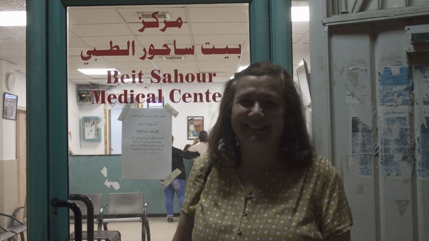 Juani en la sede de HWC de Beit Sahour 2018