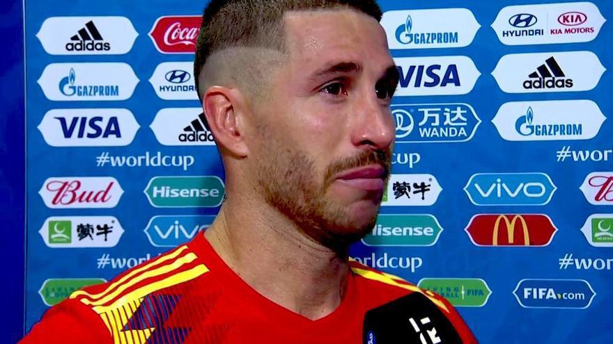 Lágrimas de Ramos ante Castaño tras el KO de España en el Mundial